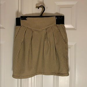 H&M Divided yellow and black plaid fitted skirt